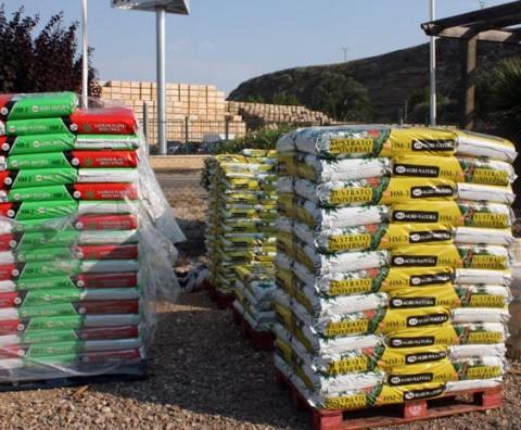 Abonos fitosanitarios riego herramientas sustratos for Todo jardin herramientas